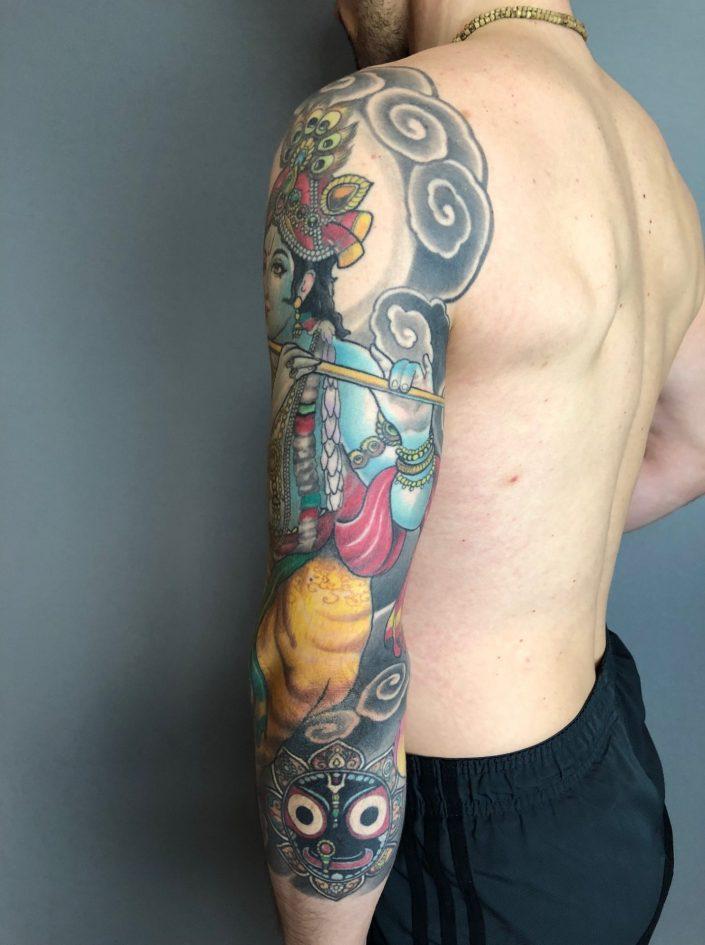 """Tattoo von Tom """"Krishna"""" seitlich"""
